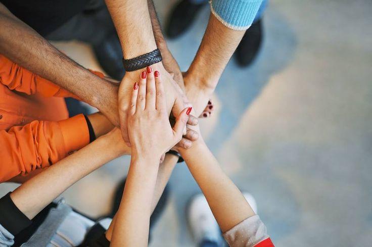 """Kochani!  Jeszcze zostało KILKA miejsc na jutrzejsze szkolenie """"Jak być panem swojego życia""""!   Będziemy wspólnie odkrywać możliwości spełnienia i szczęścia w WASZYM życiu!  Do zobaczenia jutro! :) http://buff.ly/1BfhBpW"""
