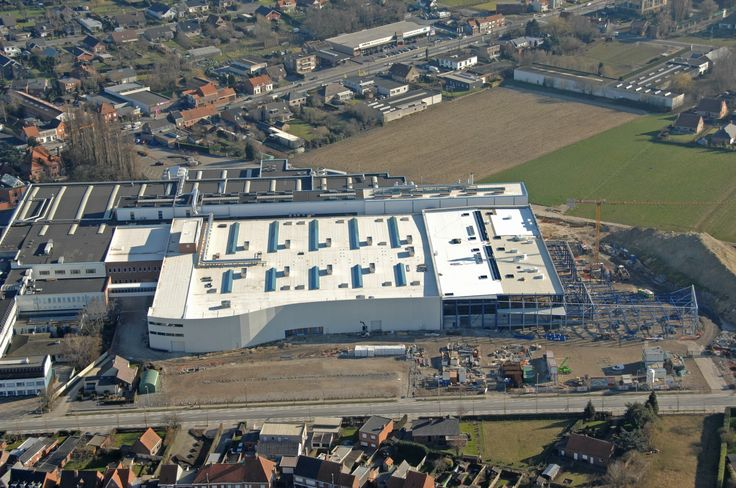 Roularta Printing Roeselare, Belgium UltraPly TPO / ISO 95+ GL Fully Adhered System (FAS) 21.200 m²