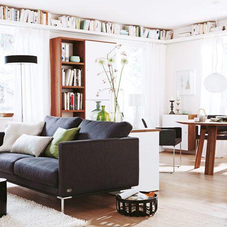 Wo Wohn- und Essbereich sich früher gegenseitig Platz stahlen, sorgt heute eine geschickte Aufteilung für Stauraum und die Einrichtung für ruhige Zen-Atmosphäre. Interior-Designerin Heidi Ellersiek-Lappan trennte Wohn- und Essbereich optisch.