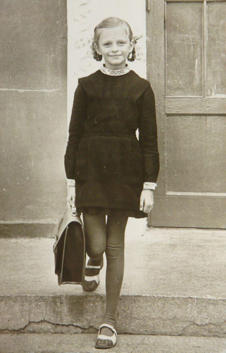 Soviet schoolgirl (uniform ) Школярка ( перший клас , школа N 2, Рівне )-1978.