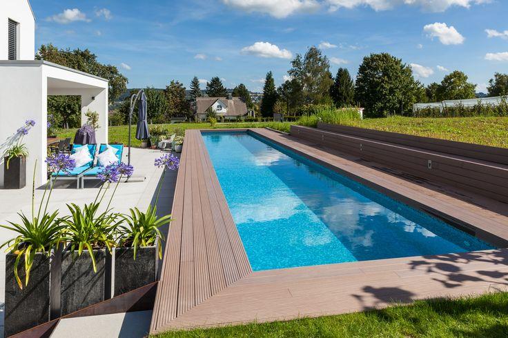 Terradura Terrassendielen finden überall im Garten ihren Platz. Streichen und Ölen wird hier überflüssig. Erfahren Sie mehr über unsere Terradura Produkte auf unserer Website: https://www.habisreutinger.de/bauen-und-wohnen-mit-holz/garten/terrassendielen/wpc.html