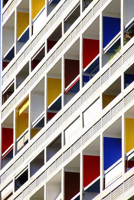 La Cité Radieuse, Marseille France - Le Corbusier 1952 - www.fondationlecorbusier.fr / www.marseille-citeradieuse.org