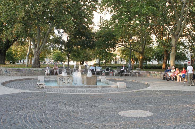 Budapest, Hungary, V. kerület, Lipótváros, Jászai Mari tér