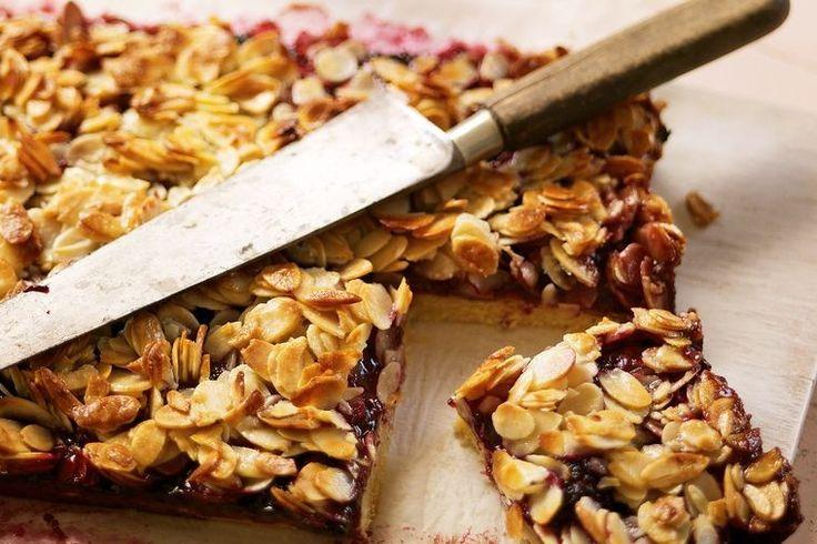 Almond and blackberry slice