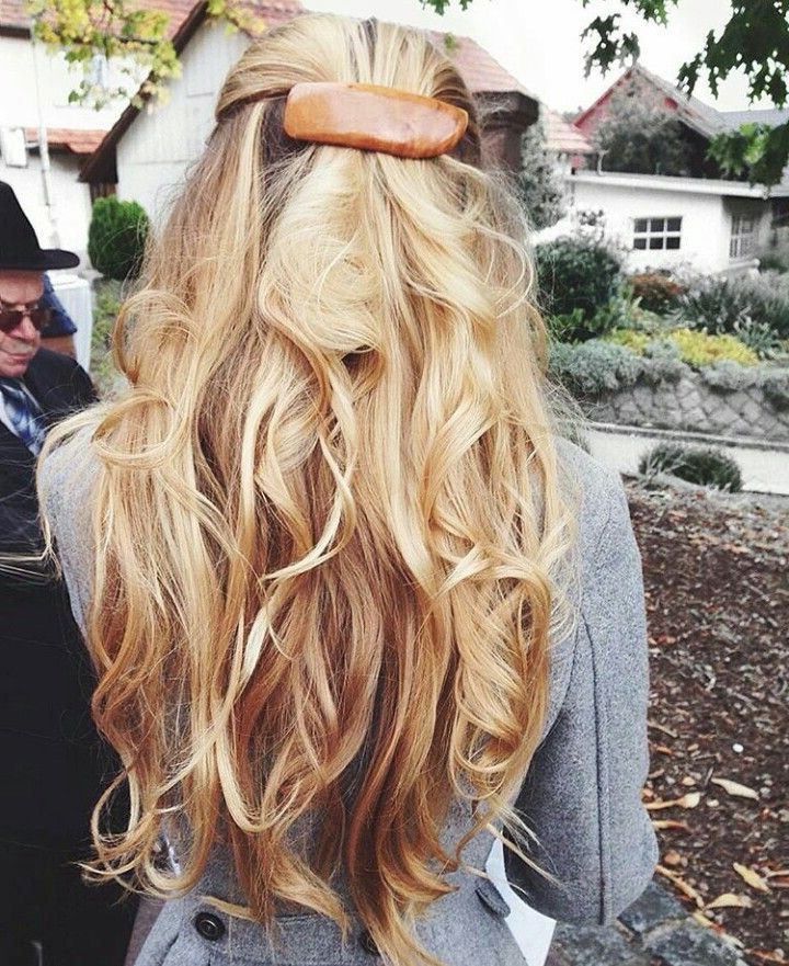 Huge 2020 Hairstyle List The 9 Hottest Trends To Be Obsessed With Ecemella In 2020 Hairstyles List Hair Styles Hot Hair Styles
