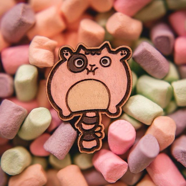 This guy ate too many marshmallows. This wooden brooch is available on Etsy. Photo by @aveosm. #wafwafgoods #wafwaf #kitty #wooden #marshmallow #catlove #catjewelry #kitten #brooch #кошка #котик #значок #котенок