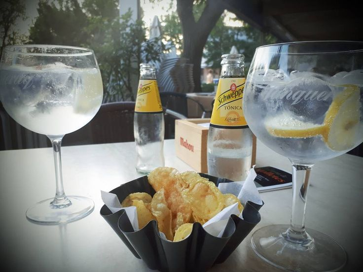 And last but not least a gin and tonic the size if my head as we watch the sun go down... #Madrid #madridnightlife #madridnightlife #bombaysapphire #tanqueray #lastnighthere #sunset #kaykovinoteca #matadero