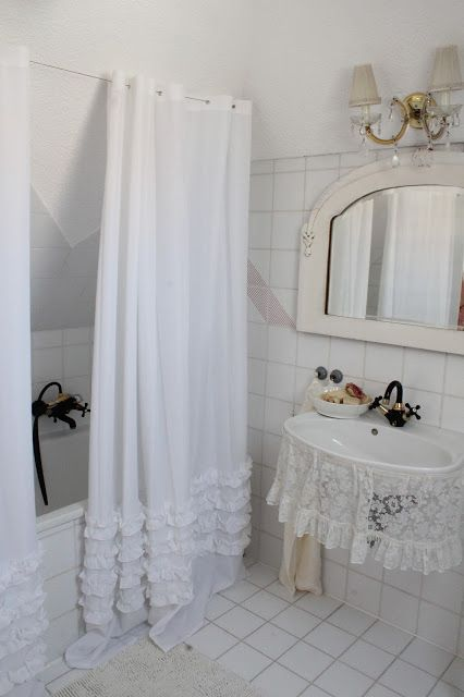Die besten 25+ Cottage cream bathrooms Ideen auf Pinterest - ameisen im schlafzimmer