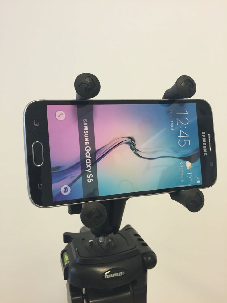 Smartphone x-grip holder mounted on statif with rammounts.