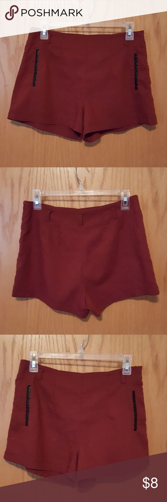 Maroon Shorts Zipper Suede like material. Fake pockets. Cute and chic. ally Shorts Skorts