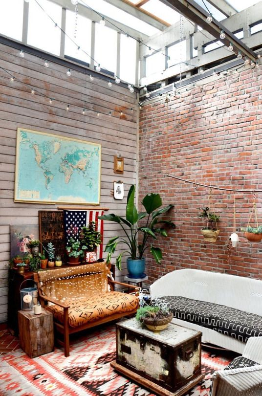 I'm a huge fan of a rustic look, especially an exposed brick wall, and add a world map?? truly captures my wanderlust persona - #UOonCampus #UOContest