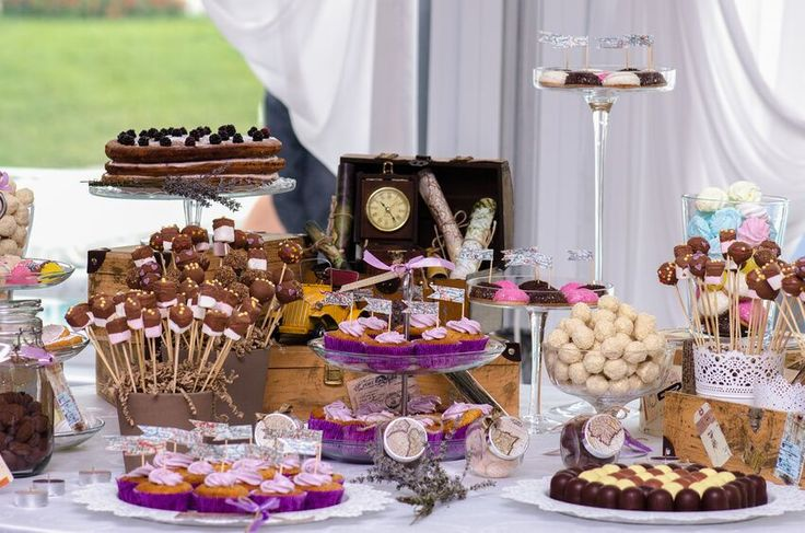 Have a birthday party or special event coming up? Wow your guests with a DIY candy bar, including all of you Ganong favourites!