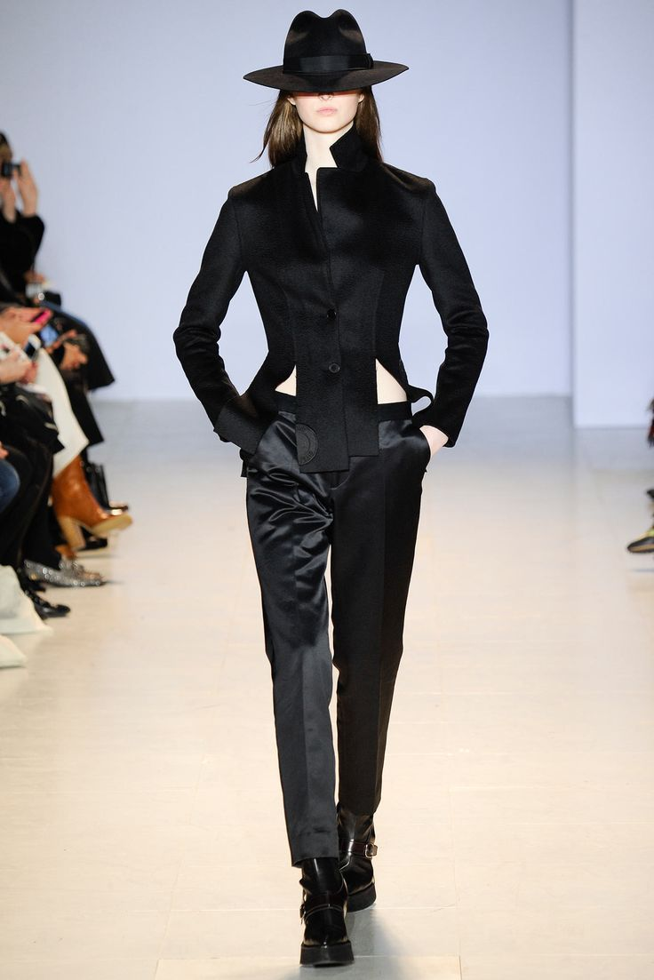 Yang Li Fall 2014 Ready-to-Wear Fashion Show