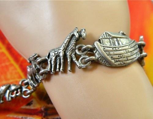 Vintage  pewter  Noah ark  link   bracelet.