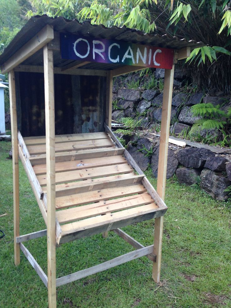 Pallet fruit stall / stand