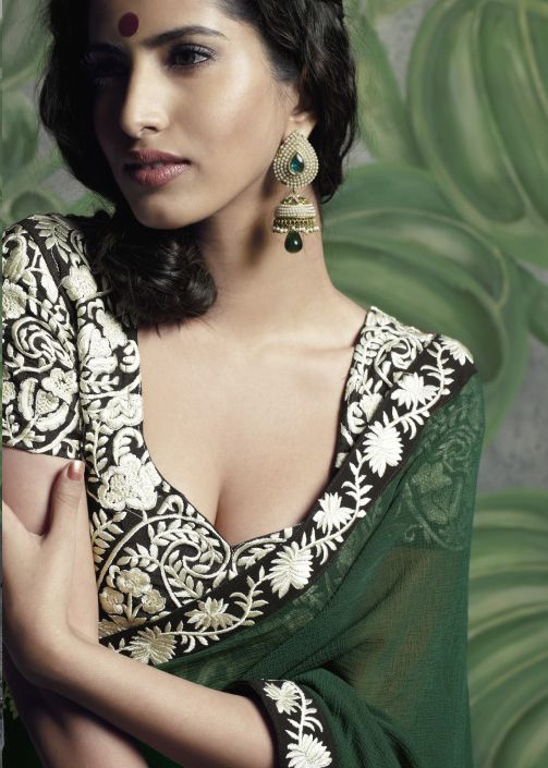 gorgeous border and blouse with Parsi Garaembroidery, more >> http://MemSaabStory.com/2007/07/19/parsi-gara-embroidery/