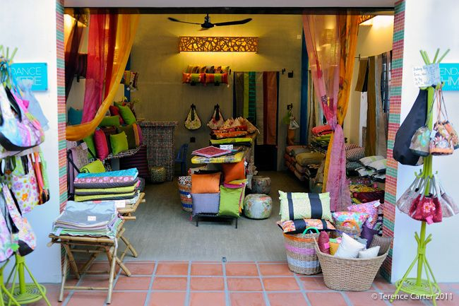 Tendence Khmere. Shopping in Siem Reap, Cambodia.