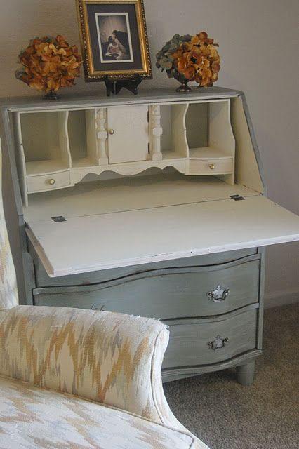 Pretty drop-down dresser