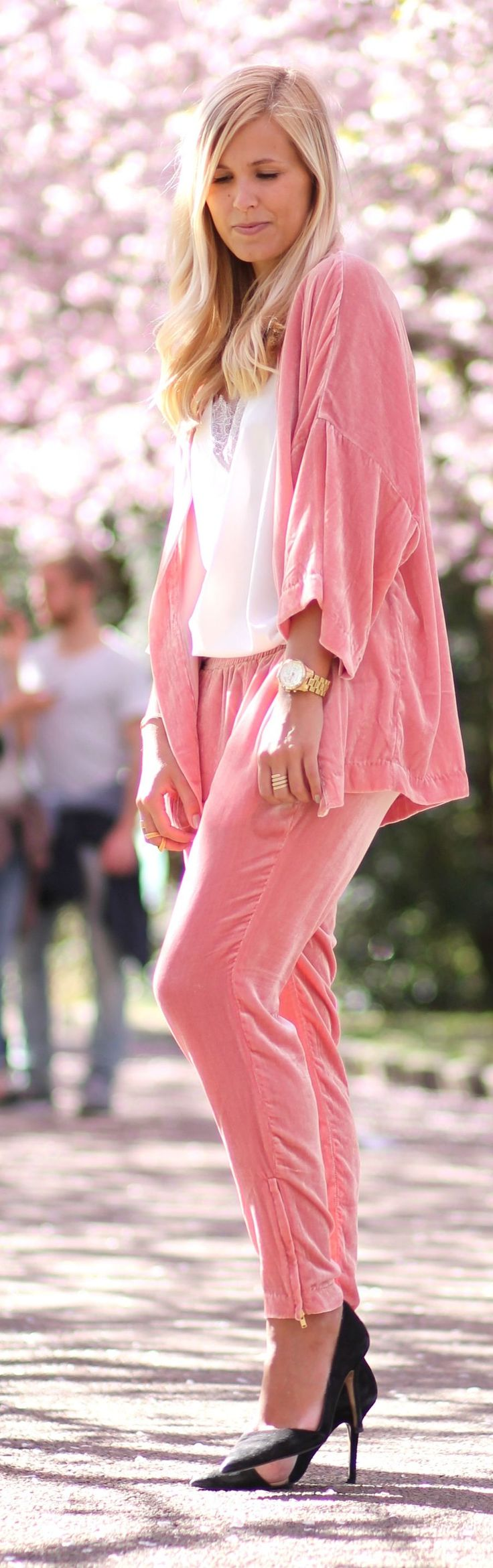 Pink Velvet Suit Outfit Idea by Natulia
