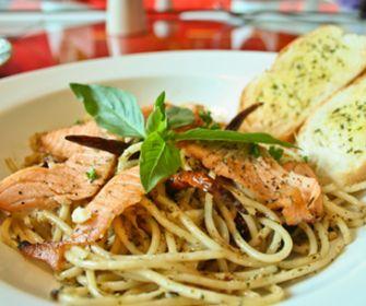 Espaguetis con salmón y nata