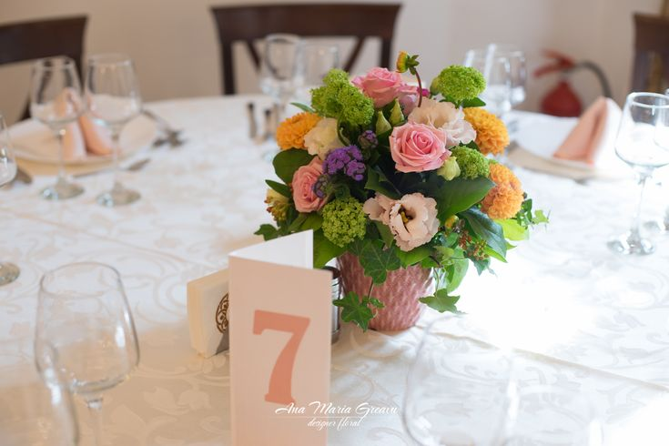 Flori pentru botez, vesele  Trandafiri, Viburnum, Lisianthus