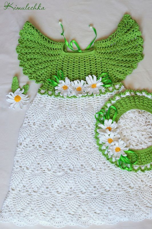 """Crochet set for little girl with dress, beret and brooch """"Camomile""""