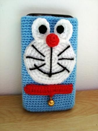 Funda móvil Doraemon (crochet, ganchillo)