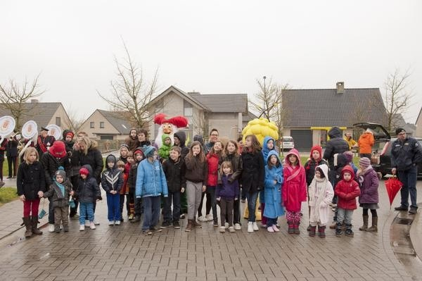 Plop trakteert Busseniershof in Poperinge op verrassingsontbijt