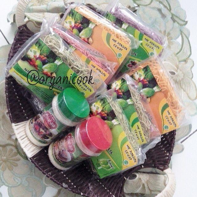 Ada waktunya untuk kurangi indomie dan makan mie organik dari @organicook. Lokasi: Bandung