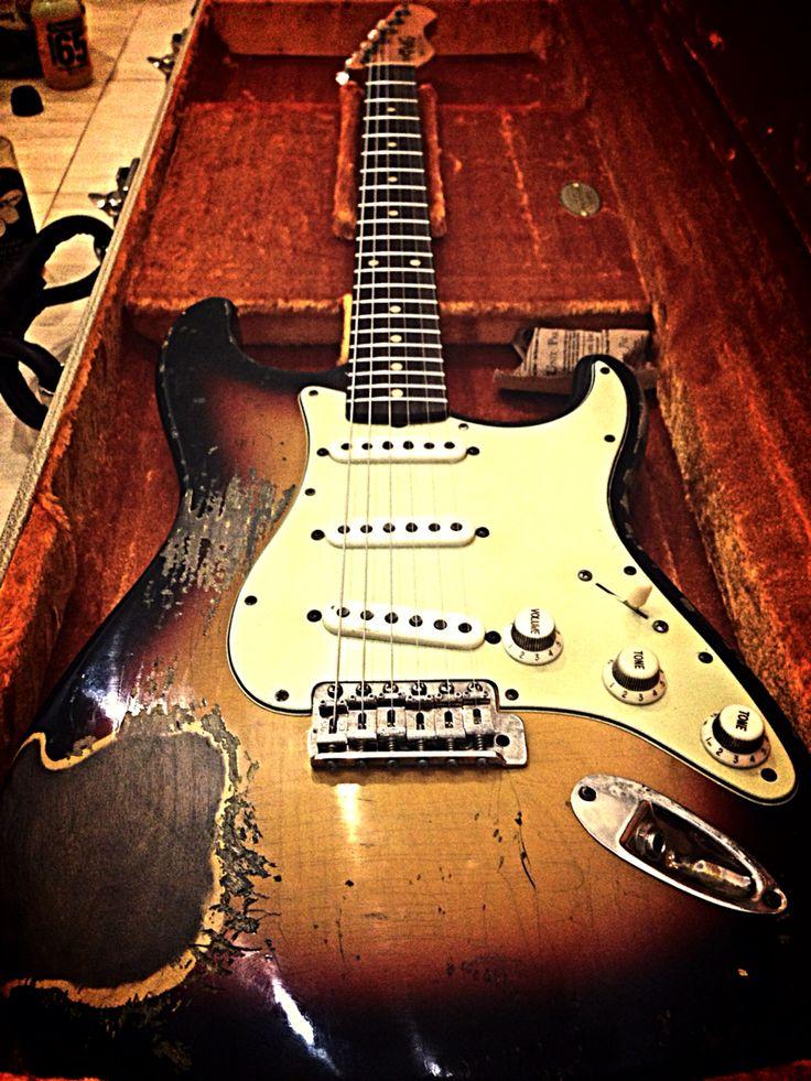 a TMG ...taylorMCgrath guitars
