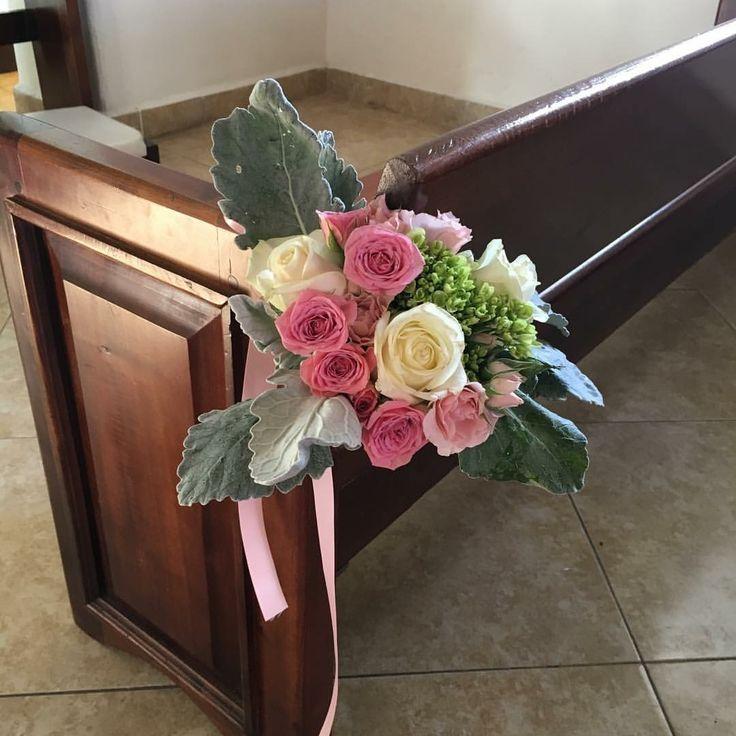 CBD192 Weddings Riviera Maya pink white and grey flowers corsage for aisle decor/ corsage para iglesia rosas crema y gris flores
