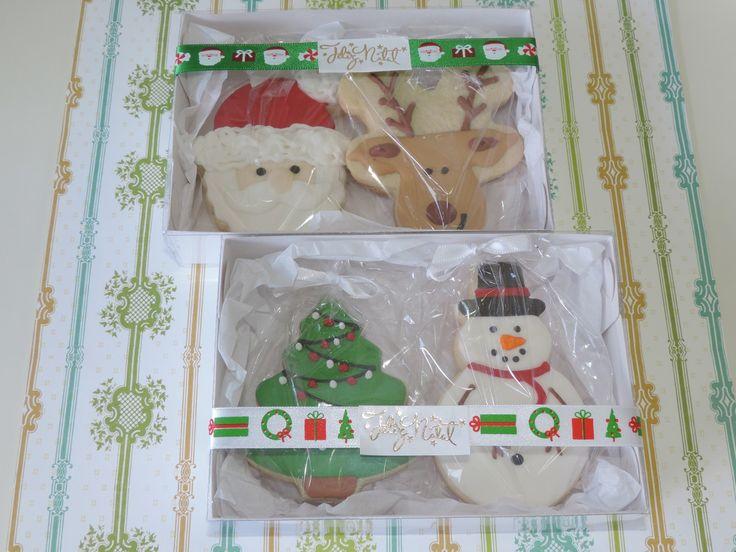 Kits de Biscoitos decorados artesanalmente com glacê real para presentear no Natal.  Consulte-nos sobre quantidades para retirada pessoalmente e para envio por Sedex.    - Kit foto 1  - Kit foto 2  - Kit foto 3  - Kit foto 4