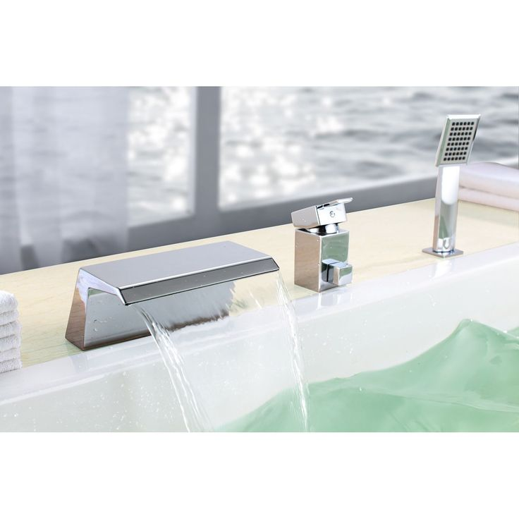 Uniquely design with a sleek shape, this contemporary bathtub faucet from Sumerain features a waterfall design with a polished chrome finish. Update your bathroom with the luxurious look and function of this innovative faucet.