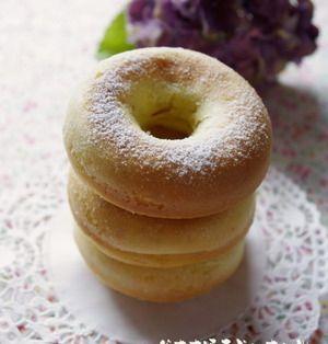 ホットケーキミックスで簡単!完熟バナナで焼きドーナッツ