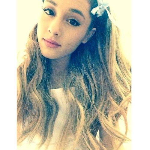 Ariana Grande wears cute clothes