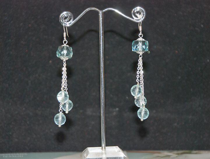 Orecchini di cristallo acqua marina. Monachine argento. Prezzo: 18.00 Euro Acquista su: http://www.bijouxalba.it/alba/acquista.php?id_prodotto=149
