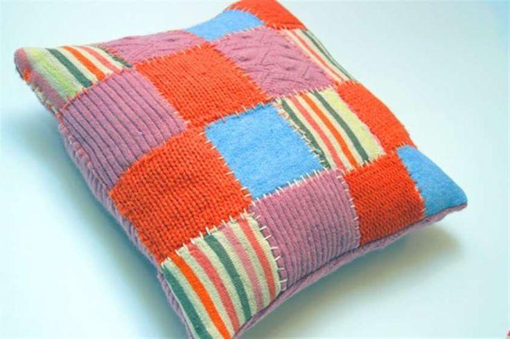 Riciclo creativo dei tessuti - Cuscino patchwork