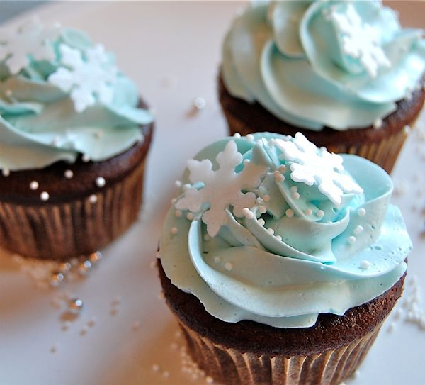 pale blue wedding cup cake