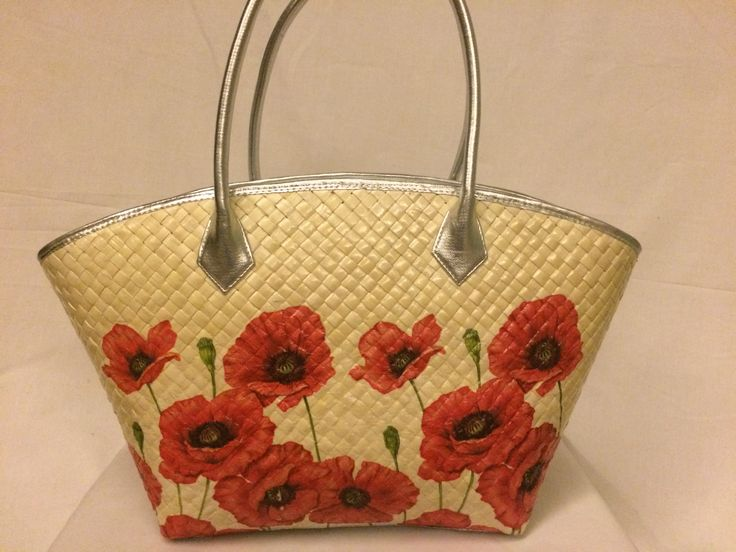 Triangle bag with red poppy flowers