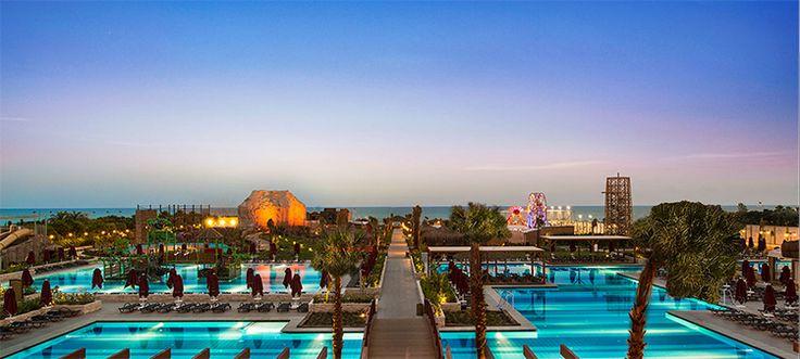 Aska Lara Resort & Spa  Misafirlerini Antalya'nın gözde tatil cenneti Lara'da ağırlayan tesiste, geniş bir açık büfe hizmetinin yanı sıra dünya mutfaklarını buluşturan a la carte restoranlar da bulunuyor. http://bit.ly/1k01h0w