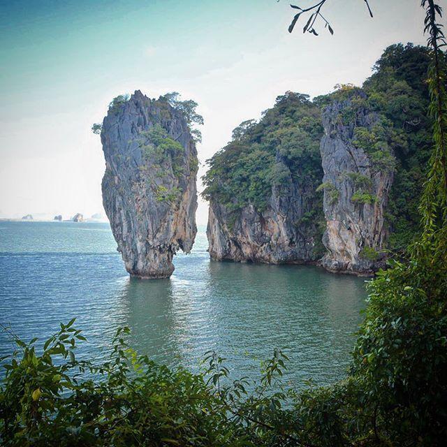 L'île de James Bond dans la baie de Phang Nga. #asian #mathailande #thailand #phangnga #island