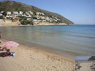 Nessun bisogno di auto. Spiaggia 200 metri, grande piscina, Wifi e A / C in camera da letto matrimonialeCase vacanze in Moraira Centro da @homeawayitalia