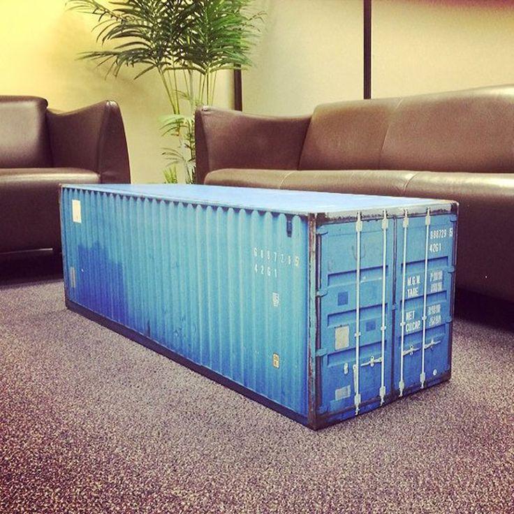 Tavolino da salotto a forma di container