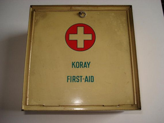 first aid essays Introduction providing immediate and effective first aid to workers or others who have been injured or become ill at the workplace may reduce the severity of the injury or illness and promote recovery.