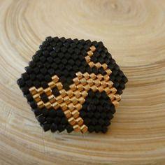 Broche chat doré - perles miyuki tissées