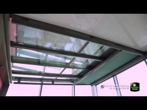 LE STORE DE TOITURE INTERIEUR ARIANE OMBRAGE D'INTÉRIEUR, CHARME ET CONVIVIALITÉ Le store de véranda ARIANE sous toit offre une protection agréable contre l'éblouissement.