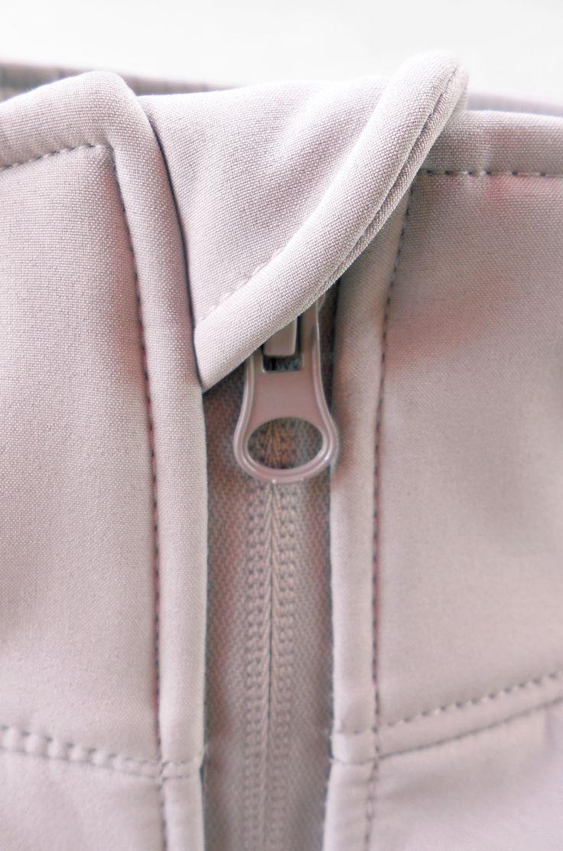Detalle Chaqueta Softshell www.zhebras.cl