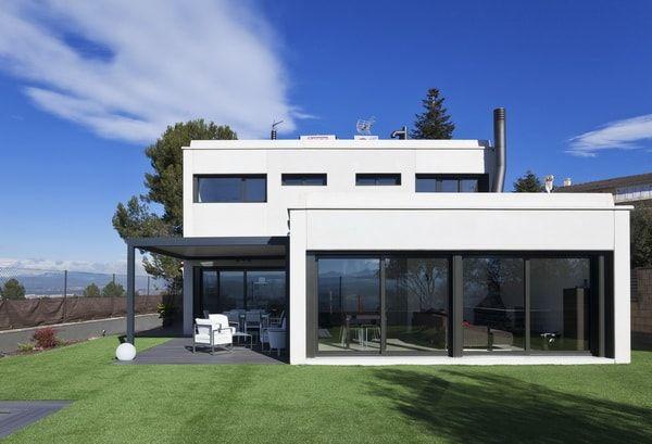 Casas prefabricadas modulares. Casa prefabricada de dos plantas.