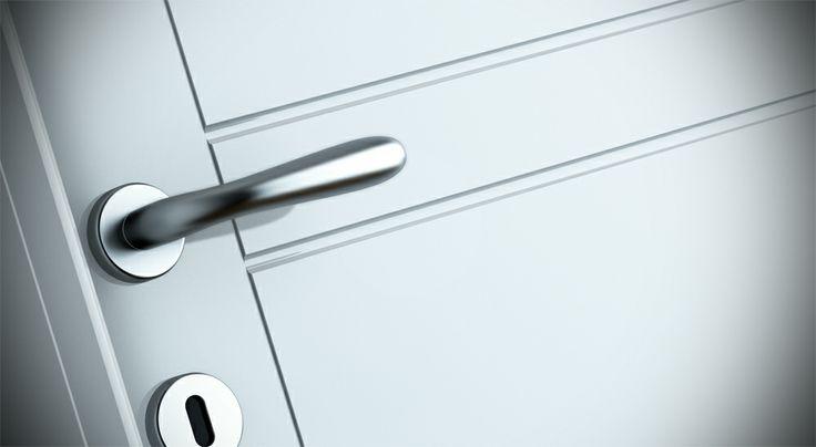 FBP porte | Collezione MADI' Dettaglio incisione - Colore: laccato RAL 9010 #fbp #porte #legno #door #wood #varnished #woodcut