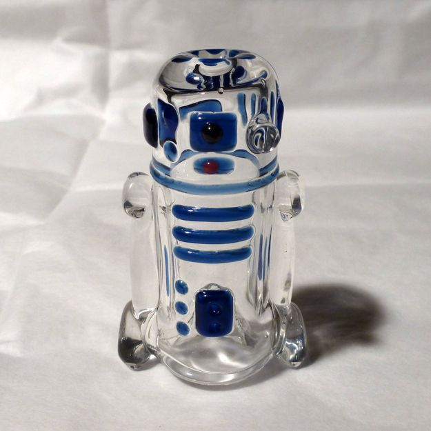 R2D2 Art Pipe   Community Post: 17 Gifts For Your Stoner Friend